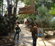Pioneros exploradores en el Pabellón Cuba
