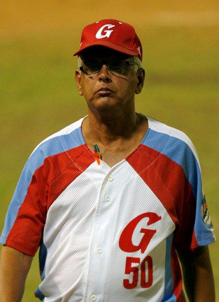 El manager granmense quizo convertir un equipo jonronero en tocador de bolas.  Foto: Ismael Francisco