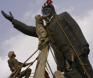 sadam-hussein-estatua-iraq