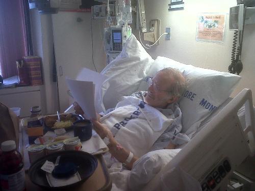 Leonard Weinglass en el hospital