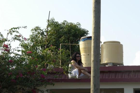 Los techos, improvisados palcos. Foto: Rafael González/Cubadebate..