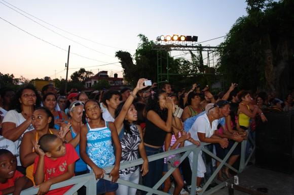 En cualquier lugar hay una manada de silviófilos. Foto: Rafael González/Cubadebate.zález/Cubadebate.