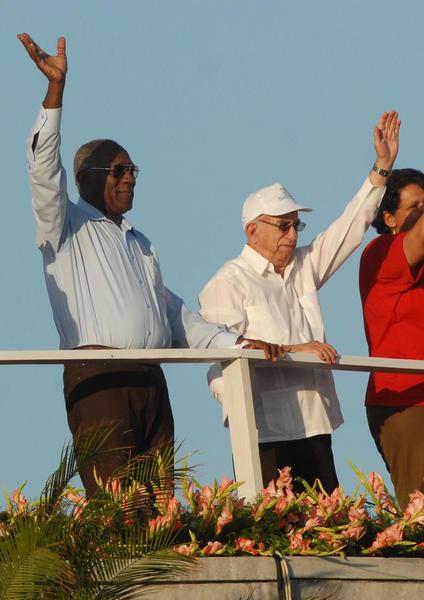 José Ramón Machado Ventura, vicepresidente del Consejo de  Estado y de Ministros de Cuba, junto a Salvador Valdés Mesa (D), secretario general de la Central de Trabajadores de Cuba (CTC), presiden el desfile por el Primero de Mayo, Día Internacional de los Trabajadores, en la Plaza de la Revolución José Martí, en La Habana Cuba, el 1ro. de mayo de 2011.  AIN FOTO/Marcelino VÁZQUEZ HERNÁNDEZ/