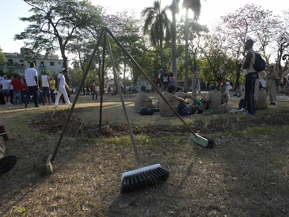 Como fieles mosqueteros. Foto: Rafael González/Cubadebate.