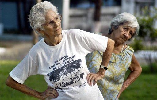 Las mujeres sobrepasan en un 20 por ciento a los hombres dentro del grupo de centenarios en Cuba, donde la esperanza de vida al nacer es de 78 años promedio (76 para los hombres y 80,02 para las mujeres). Foto: EFE