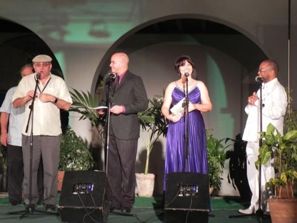 Ciro Benemelis, presidente de Cubadisco, presentó varios premios en la Gala