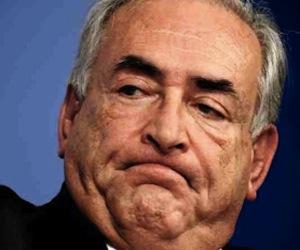 Strauss-Kahn en celda aislada y bajo vigilancia de suicidio