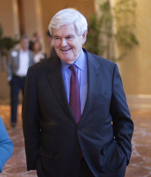 En esta foto del 13 de abril del 2011, el ex presidente de la cámara baja de Estados Unidos, Newt Gingrich, arriba a un evento de recaudación de fondos en Atlanta. El lunes 9 de mayo del mismo año Gingrich anunció en Twitter y Facebook su candidatura a la presidencia del país en el 2012. (Foto AP/David Goldman)