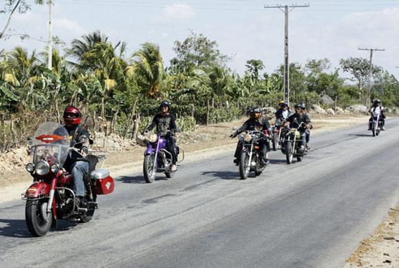 Club de motoristas Lama, de Holguín. Foto: Ismael Francisco/Cubadebate