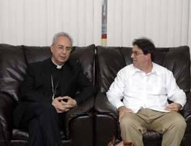 Giovanni Angelo Becciu y Bruno Rodríguez