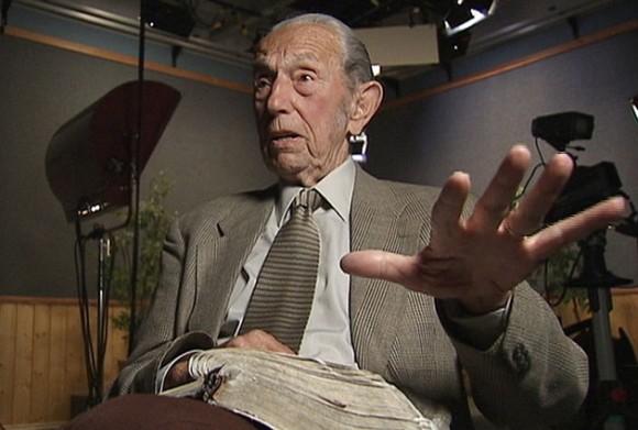 Harold Camping, ingeniero y presidente de Family Radio