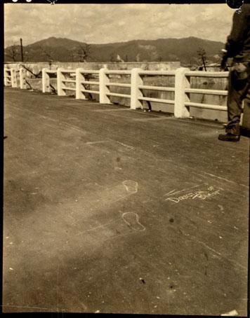 Marcas de tiza en el puente
