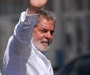 El expresidente de la República Federativa de Brasil Luiz Inácio Lula da Silva, durante su arribo al Aeropuerto Internacional José Martí, de La Habana, Cuba, el 31 de mayo de 2011.  AIN FOTO/Sergio ABEL REYES