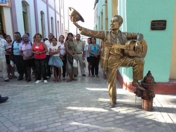 La escultura en homenaje a Miguel Matamoros. Foto Marianela Dufflar