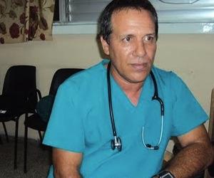 Doctor Rubén Aneiro Medina de la Sala de Terapia Intermedia del Hospital Arnaldo Milián de la cabecera provincial de Villa Clara