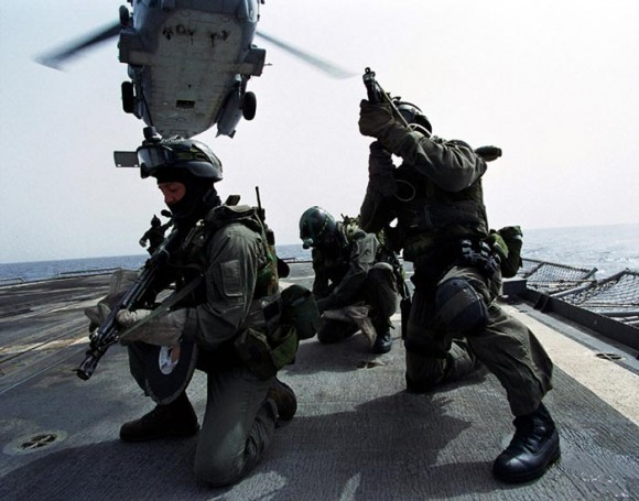 NAVY SEAL-IRAK 9 JUNIO CQB GEDAT Navy_seals_boarding-580x455