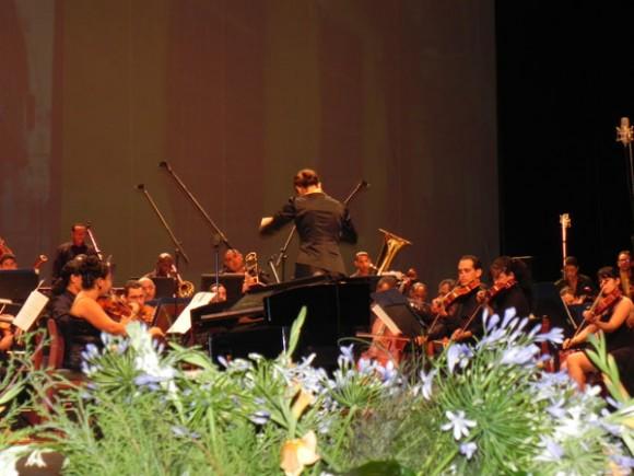 Orquesta Sinfónica de Oriente bajo la dirección de Cosette Justo Váldes.Foto Marianela Dufflar