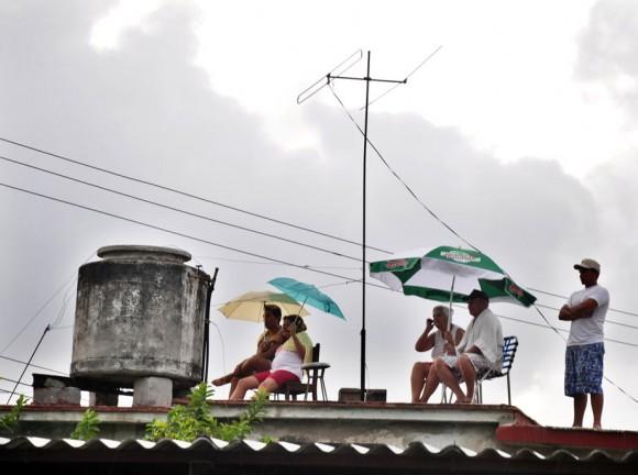 Los palcos techados. Foto: Kaloian.