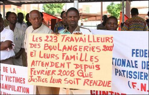 Los trabajadores de Burkina Faso protestan contra el creciente costo de la vida.- AFP PHOTO / AHMED OUOBA