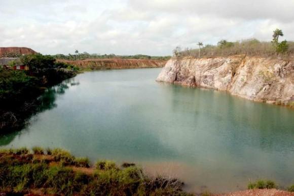 Lago Azul en Manatí, en la provincia de Las Tunas, Cuba, el 4 de junio de 2011. AIN/FOTO Yaciel PEÑA DE LA PEÑA