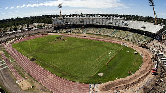 Estadio Mario Alberto Kempes. Córdoba (1.300.000 habitantes), capital de la provincia homónima, en el centro del país, a 710 kilómetros al noroeste de Buenos Aires.