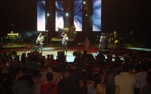 Buena Fe en el teatro Teresa Carreño de la ciudad de Caracas, Venzuela. 23 de junio de 2011. foto cortesía de una lectora