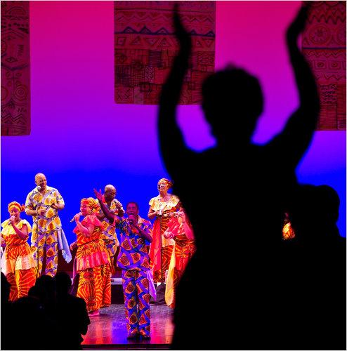 El grupo realiza en la Academia de Música de Brooklyn en la noche del sábado como parte de la Cuba ¡Sí! Festival.