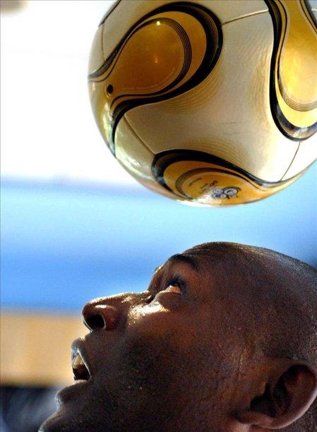 En la imagen, el deportista cubano Erick Hernández. EFE/Archivo