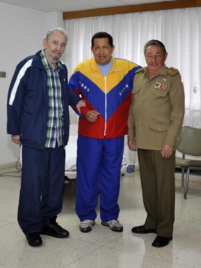 Fidel, Raúl y Chávez, el 11 de junio de 2011
