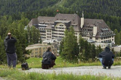 Hotel Suvretta House: ¨Tenga en cuenta que estamos cerrados del 10/04/2011 hasta el 16/06/2011.