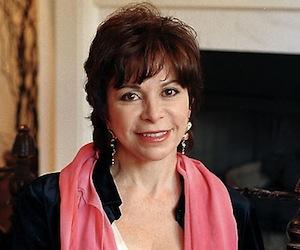 Isabel Allende cancela gira en Chile en solidaridad con los estudiantes