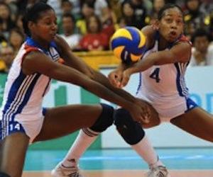 kenia-carcases-y-joana-palacios-equipo-cuba-voleibol-femenino-300x1741