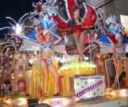La celebración del San Juan Camagüeyano, marcado por el rescate de tradiciones, incluye los paseos con carrozas, comparsas y congas, en Camagüey el 25 de junio de 2011. AIN FOTO/ Rodolfo BLANCO CUE