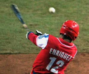 Juega Michel Enríquez en la Liga Mexicana de Béisbol