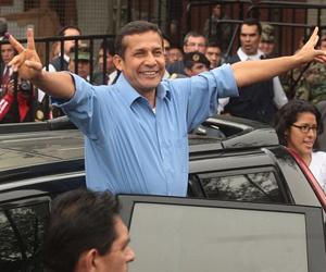 Humala recibe credenciales de ganador y ratifica compromisos de cambios en Perú