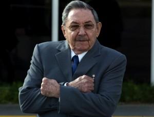 Que cada quien opine lo que piense y desee, dice Raúl en Pleno del Comité Central