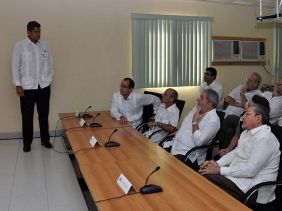 El General de Ejército Raúl Castro Ruz ,acompañó en la mañana de hoy al ex presidente Luiz Inacio Lula da Silva en una visita a las instalaciones del Puerto de Mariel. Foto: Estudios Revolución