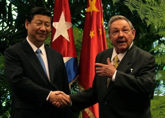 El Presidente cubano Raúl Castro Ruz recibió al Vicepresidente chino Xi Jinping, quien realiza Visita Oficial a Cuba.  Foto: Ismael Francisco
