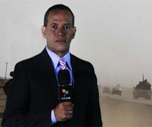 Rolando Segura, reportando desde Libia. Foto: Telesur