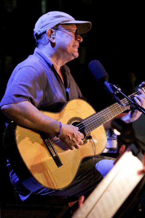 Silvio Rodríguez en el Cotorro. Foto: Alejandro Ramírez