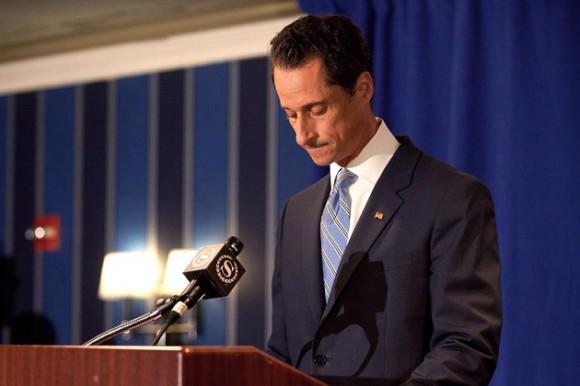 El congresista lo negó todo al principio, pero ahora confesó y dijo que no renunciará. Foto: AFP