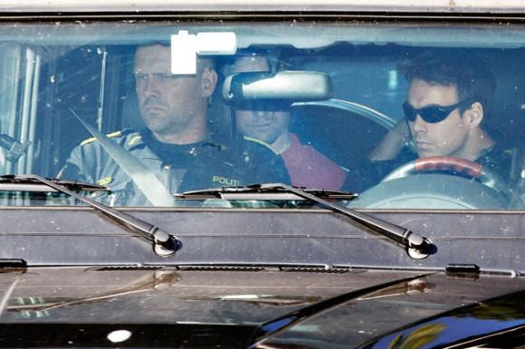 Foto: Imágenes del traslado de Breivik a una nueva sesión de interrogatorios pautada para hoy. AFP PHOTO / ODD ANDERSEN