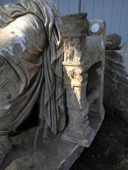 La gigantesca estatua de Calígula. Foto: EFE
