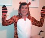 David Wu disfrazado de tigre en una foto divulgada en Twitter.