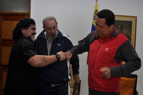 Maradona, Fidel y Chávez.  23 de julio de 2011 Foto: Estudios Revolución/Archivo de Cubadebate