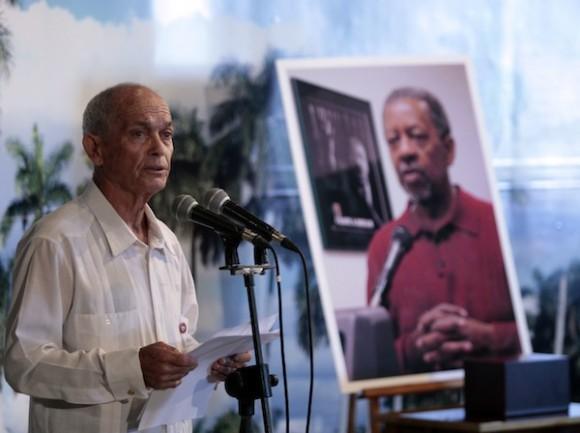 Rev. Raul Suarez Ramos, recibio la cenizas de Lucius Walker. Memorial Jose Marti. Plaza de La Ravolucion.