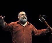 Pedro Luis Ferrer en concierto. Foto: Kaloian