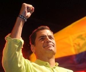 Más del 80% de los ecuatorianos aprueban gestión de Rafael Correa