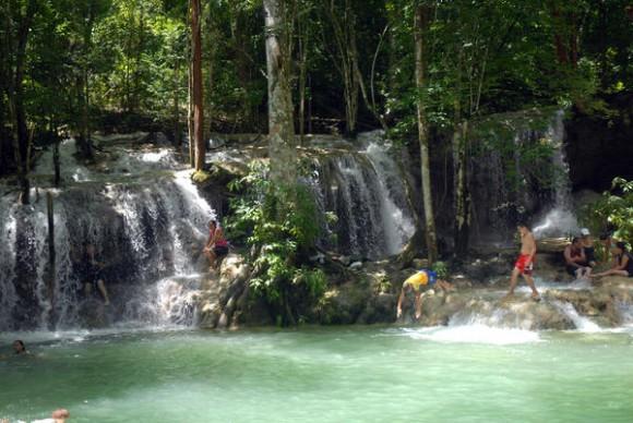 Salto de agua conocido como Solapas de Genaro, ubicado en la Sierra de Meneses, en Sancti Spíritus, Cuba, el 1 de agosto de 2011.    AIN   FOTO/Oscar ALFONSO SOSA