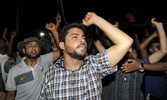 Partidarios de Gadafi, en Bab al-Aziziyah. Foto: Reuters